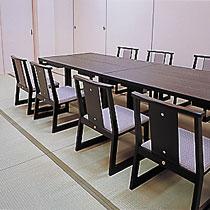 桌椅座位的宴會大受好評,現正承辦中